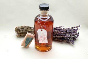 Lavendel Likoer selbstgemacht   ansetzen   STUDIO KARAMELO   lavender liqueur homemade