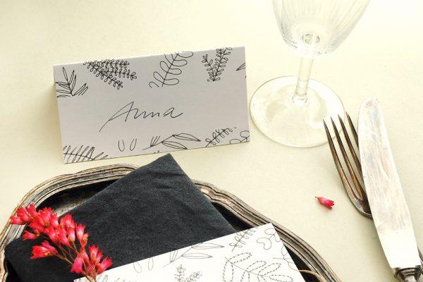 Tischkärtchen   Florale Hochzeitspapeterie   STUDIO KARAMELO   Blaetter und Zweige