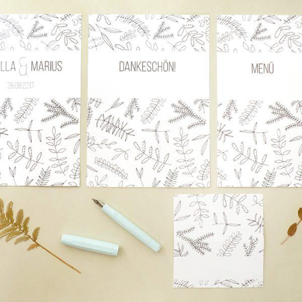 Florale Hochzeitspapeterie | STUDIO KARAMELO | Blaetter und Zweige | Einladung, Save the date, Dankeskarte, Tischkärtchen