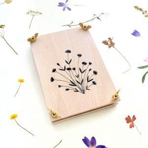 Blumenpresse, Pflanzenpresse Wiesenblume, Herbarium   STUDIO KARAMELO