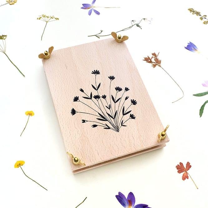 Blumenpresse, Pflanzenpresse Wiesenblume, Herbarium | STUDIO KARAMELO