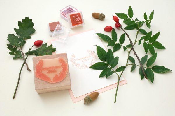 Personalisierter Hochzeitsstempel Herbstkranz | STUDIO KARAMELO