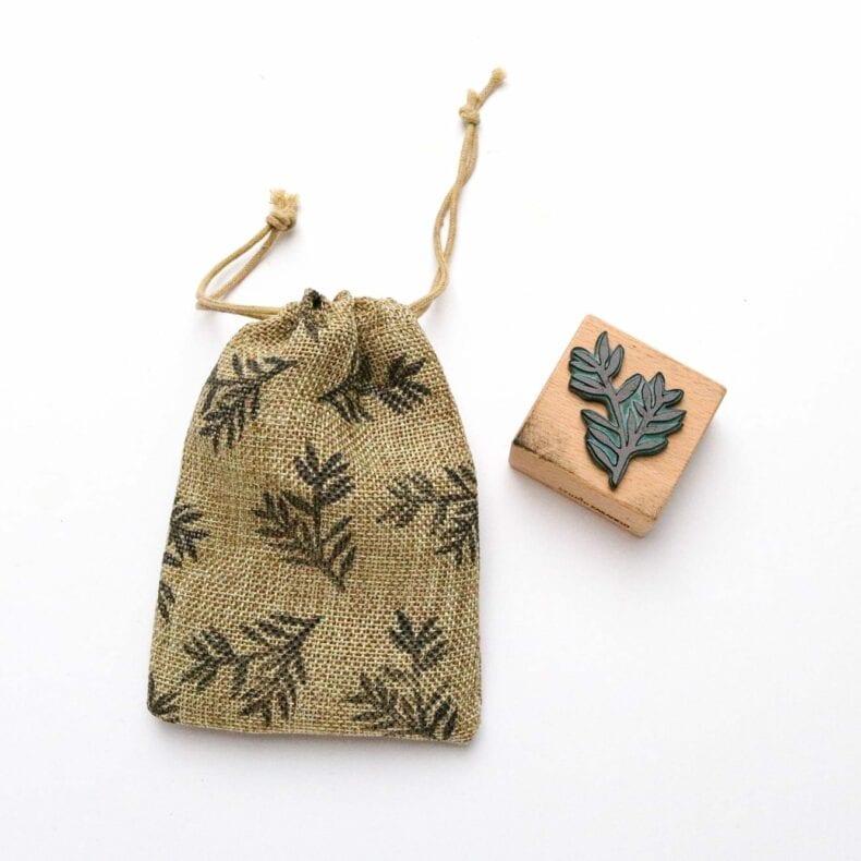 Stempel Konifere Baumwollsäckchen bestempeln mit Textilstempelkissen