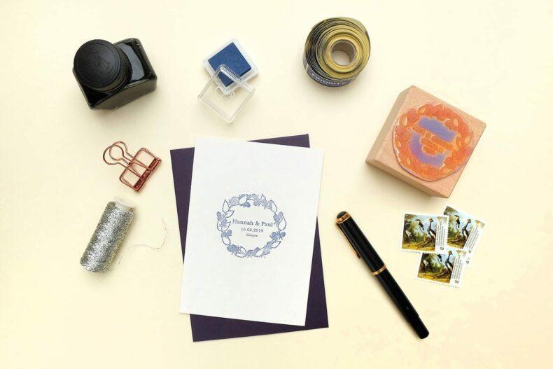 PersonalisierterHochzeitsstempel Brombeerkranz für Sommerhochzeit