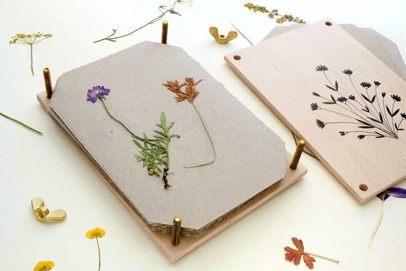 Blumenpresse | STUDIO KARAMELO | wooden flower press