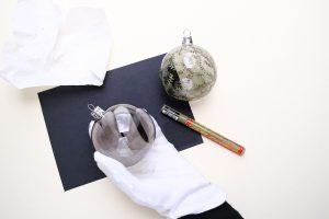 Last Minute Geschenk DIY Christbaumkugel bemalen floral   STUDIOKARAMELO