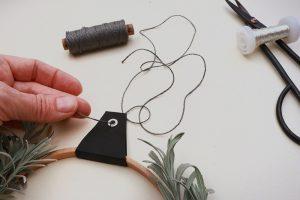 DIY, Lavendelkranz, Kranz binden aus Lavendelzweigen mit Holzring | STUDIO KARAMELO
