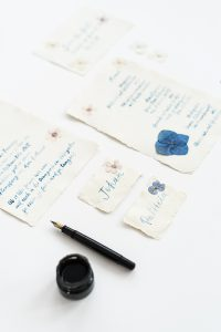 Hochzeitspapeterie mit gepressten Blumen |Veilchen, Farn & Ringelblumen – Gestalten mit gepressten PFlanzen, Verlag freies Geistesleben, Kathrin Bender
