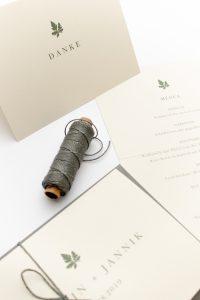 Hochzeitseinladung – Green Wedding, umweltfreundliche Hochzeitspapeterie, Recyclingpapier | STUDIO KARAMELO