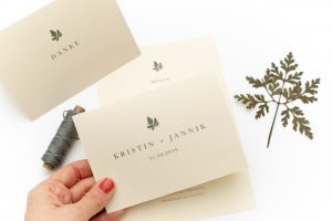 Hochzeitseinladung – Green Wedding, umweltfreundliche Hochzeitspapeterie, Recyclingpapier, minimal, schlicht | STUDIO KARAMELO