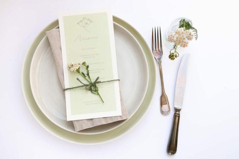 Menükarte SCHAFGARBE florale Hochzeitspapeterie auf Recyclingpapier