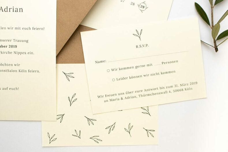 Floral gemusterte Antwortkarte OLIVE – Hochzeitspapeterie Recyclingpapier