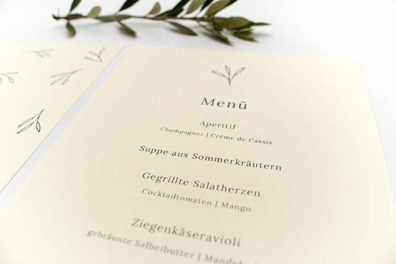 Floral gemusterte Menükarte OLIVE – Hochzeitspapeterie Recyclingpapier