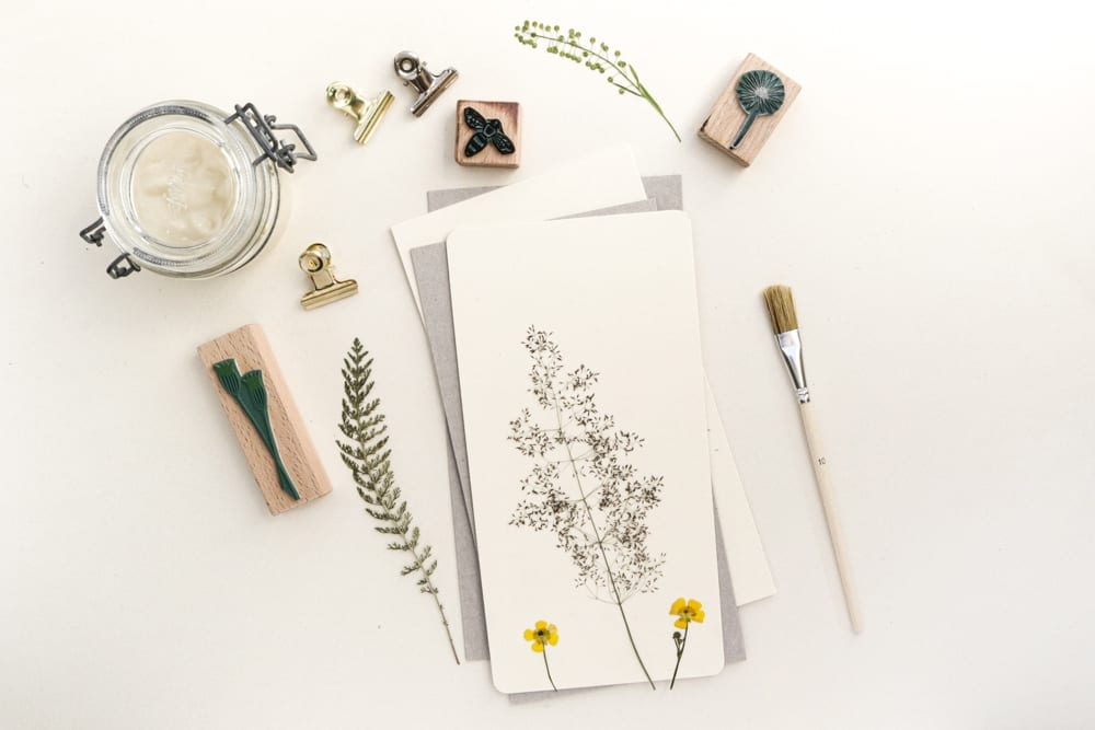 Klemmbrett DIY mit gepressten Pflanzen, Anleitung | STUDIO KARAMELO