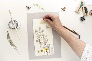 Klemmbrett DIY mit gepressten Pflanzen, Anleitung, Papierklammer | STUDIO KARAMELO