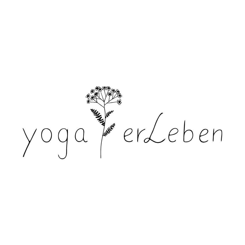 botanisches Branding Logo Yogastudio yogaerleben   STUDIO KARAMELO