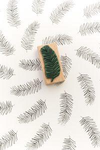 Stempel Tannenzweig, Weihnachtsstempel, floraler Stempel   STUDIO KARAMELO