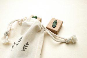 Stempel Set Pflänzchen, drei HOlzstempel im Baumwollbeutel | STUDIO KARAMELO