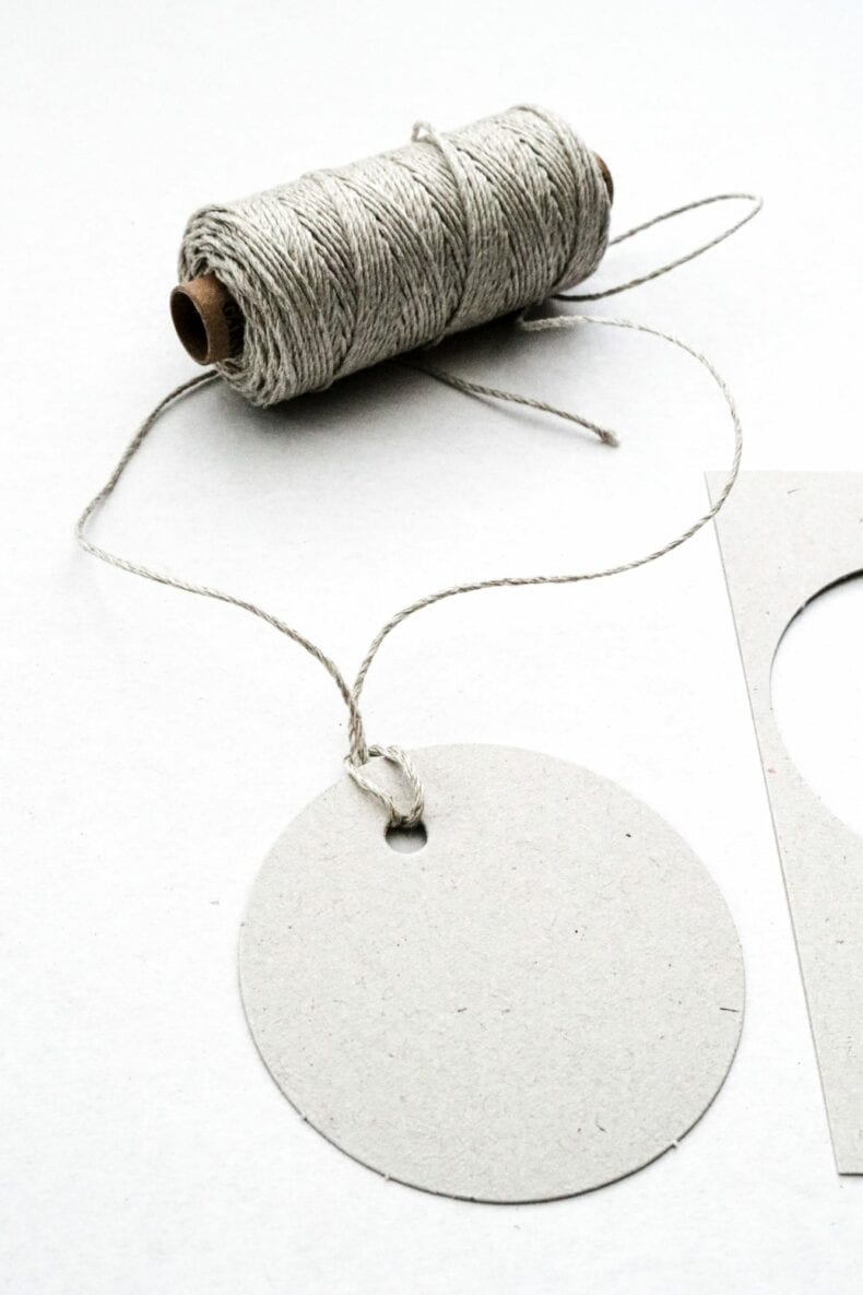 Runde Geschenkanhänger aus 100% Recyclingpapier, grau | STUDIO KARAMELO