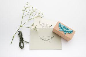 Personalisierter Hochzeitsstempel mit Namen, Datum + Zweig   STUDIO KARAMELO