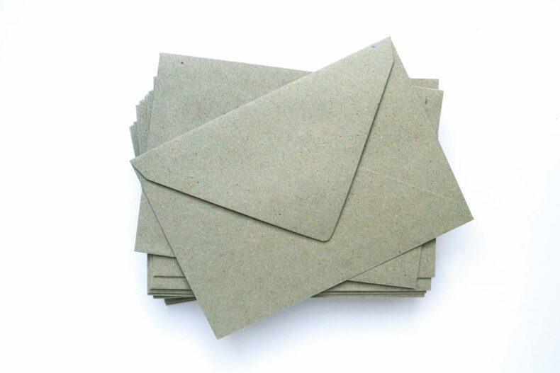 Umschläge Kuverts Kraftpapier grün Recycling