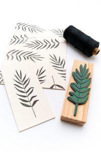 Stempel Palmwedel, Umweltfreundlicher Stempel aus Buchenholz Motiv Esche | STUDIO KARAMELO