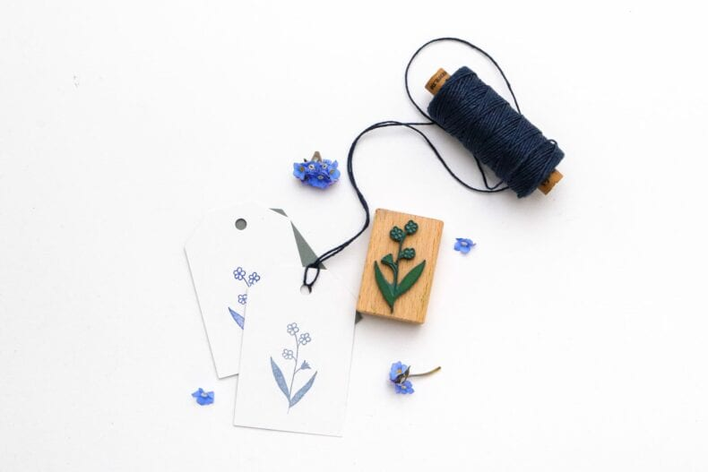 Holzstempel Vergissmeinnicht, Umweltfreundlicher Stempel mit Blume | STUDIO KARAMELO