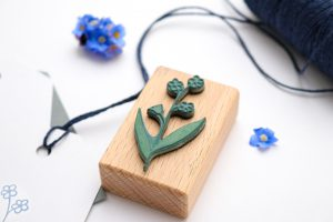 Holzstempel Vergissmeinnicht, Umweltfreundlicher Stempel mit Blume   STUDIO KARAMELO