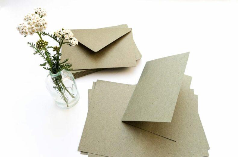 Kartenset Recycling Kraftpapier Umschläge + Klappkarten grau grün