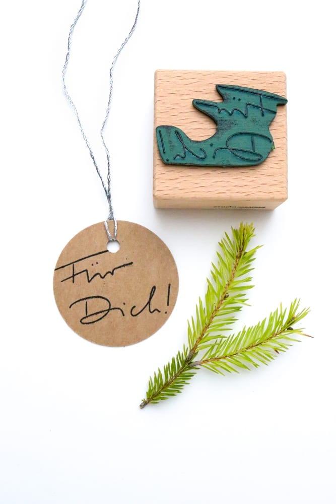 Stempel Handlettering Für Dich auf Geschenkanhänger gestempelt