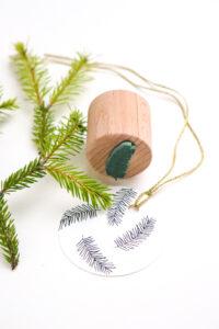 Mini Stempel Tannenzweig für deine Geschenkanhänger