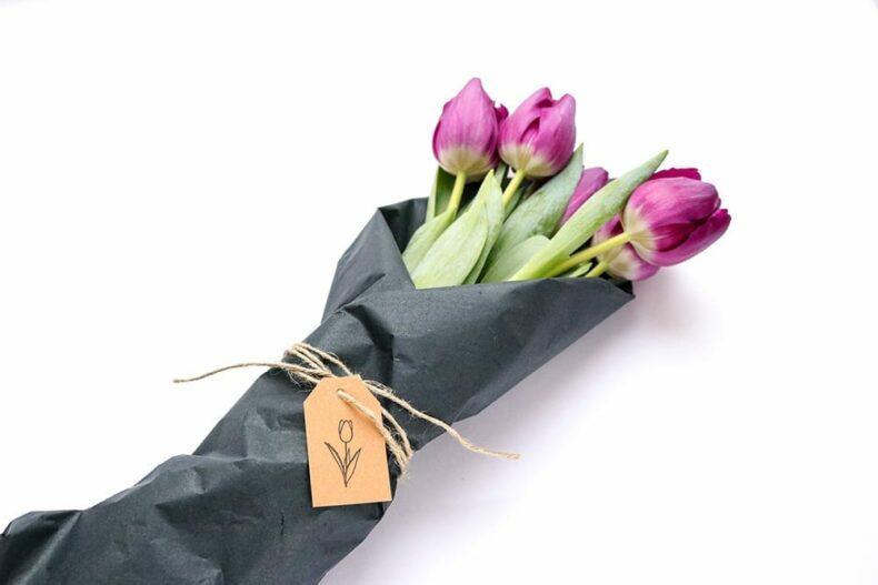Tulpen verschenken mit Geschenkanhänger, bestempelt mit Ministempel Tulpe